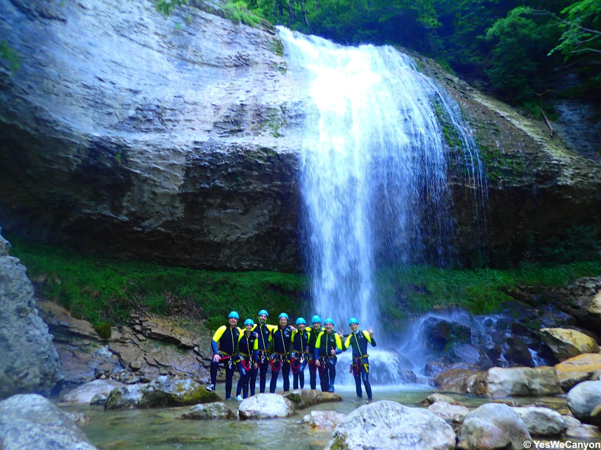team-building-groupe-canyoning-1
