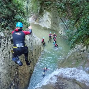 team-building-groupe-canyoning-3