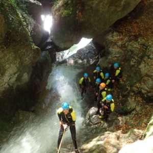 team-building-groupe-canyoning