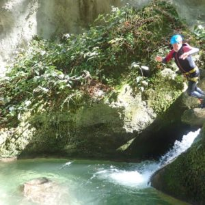 team-building-groupe-canyoning-8